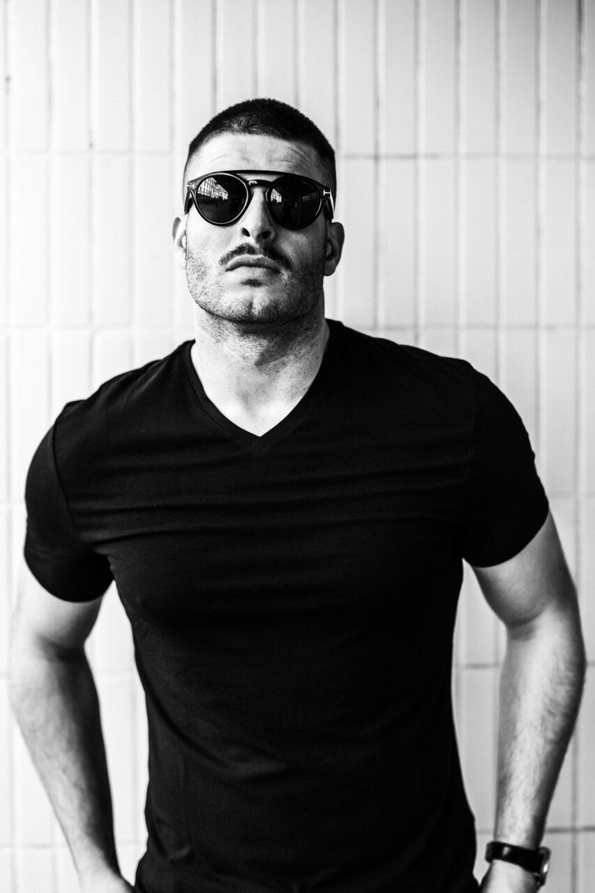 Max Ortner mit Sonnenbrille